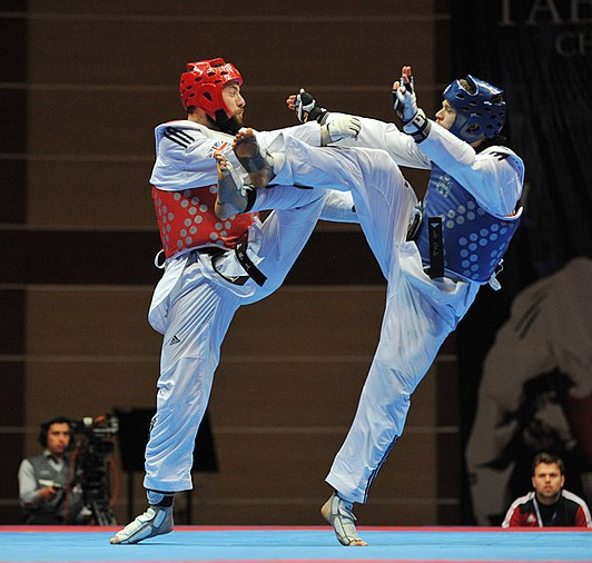 532px-Taekwondo_competition_in_Baku